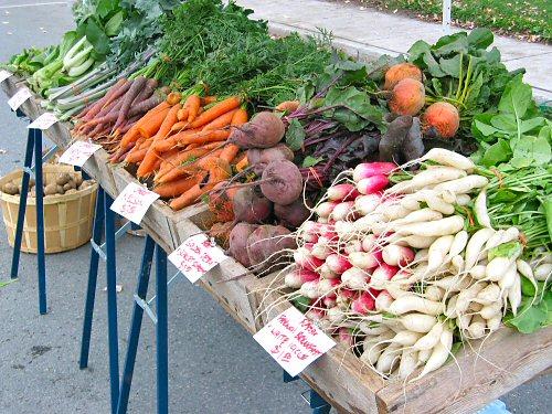Farmers' market mid-October