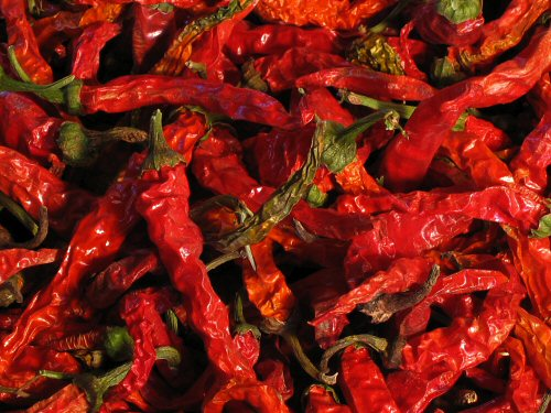 Dried Cayenne Long Slim hot peppers