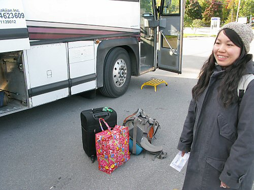 Toshiko leaves by bus