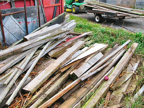 Stashing scrap lumber