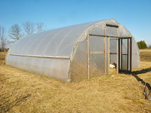 Hoophouse erect